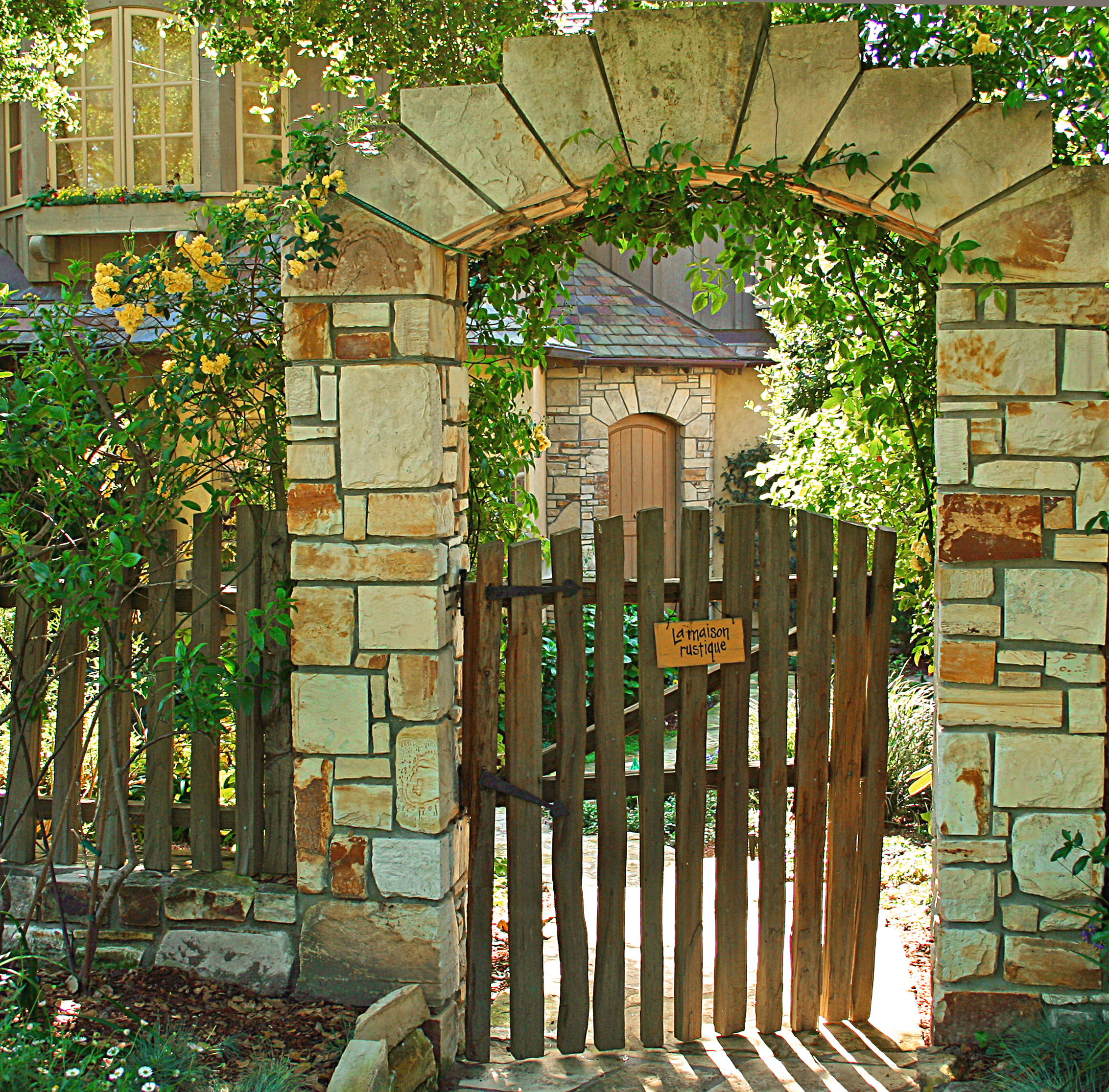 fences and neighbors The fence between two properties is on either your property or your neighbor's  property it cannot be on both properties consequently, unless there are certain .
