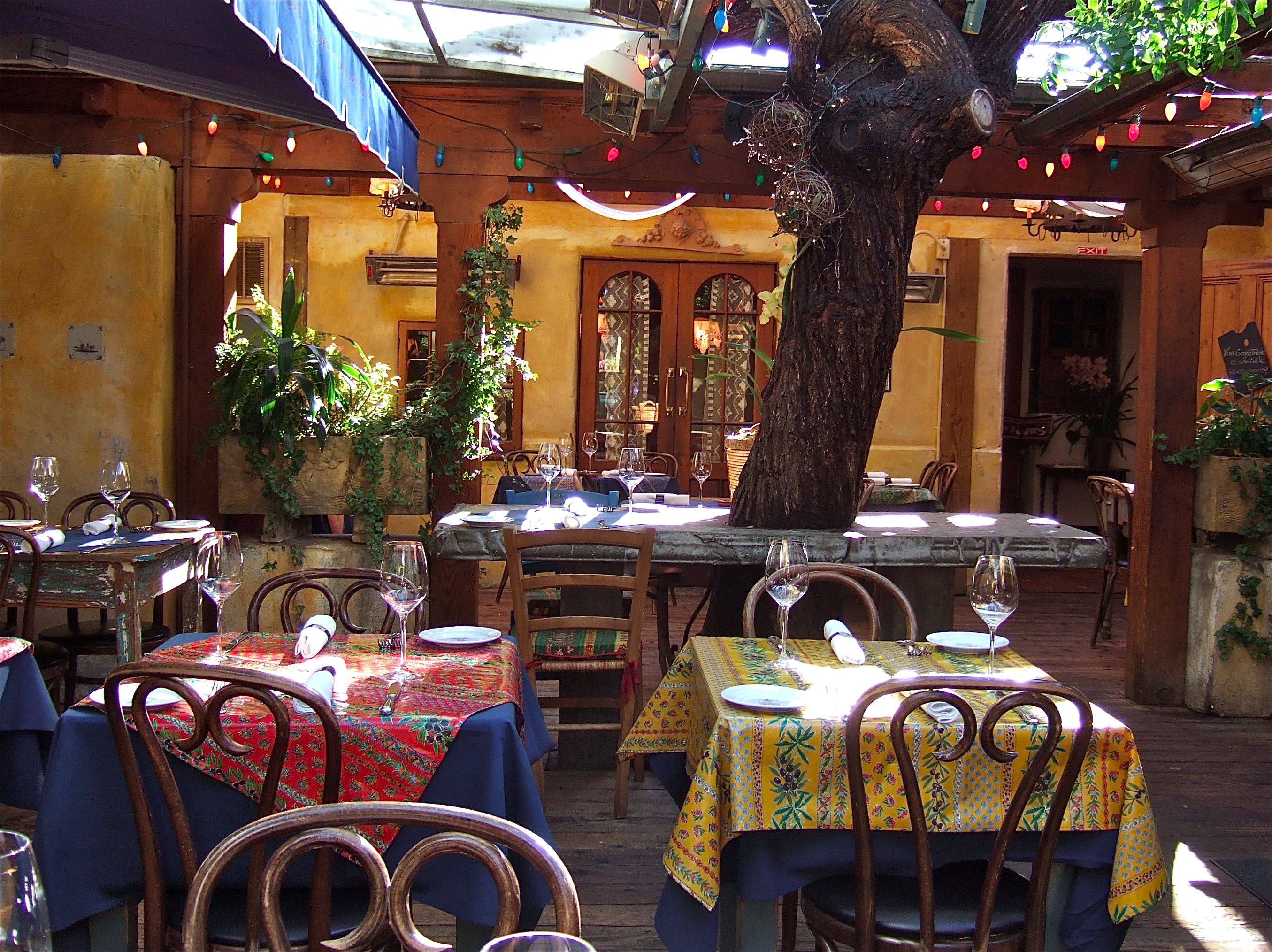 THE ROMANCE OF CASANOVA RESTAURANT Once upon a time  : dscf4950 from talesfromcarmel.com size 2710 x 2028 jpeg 2979kB