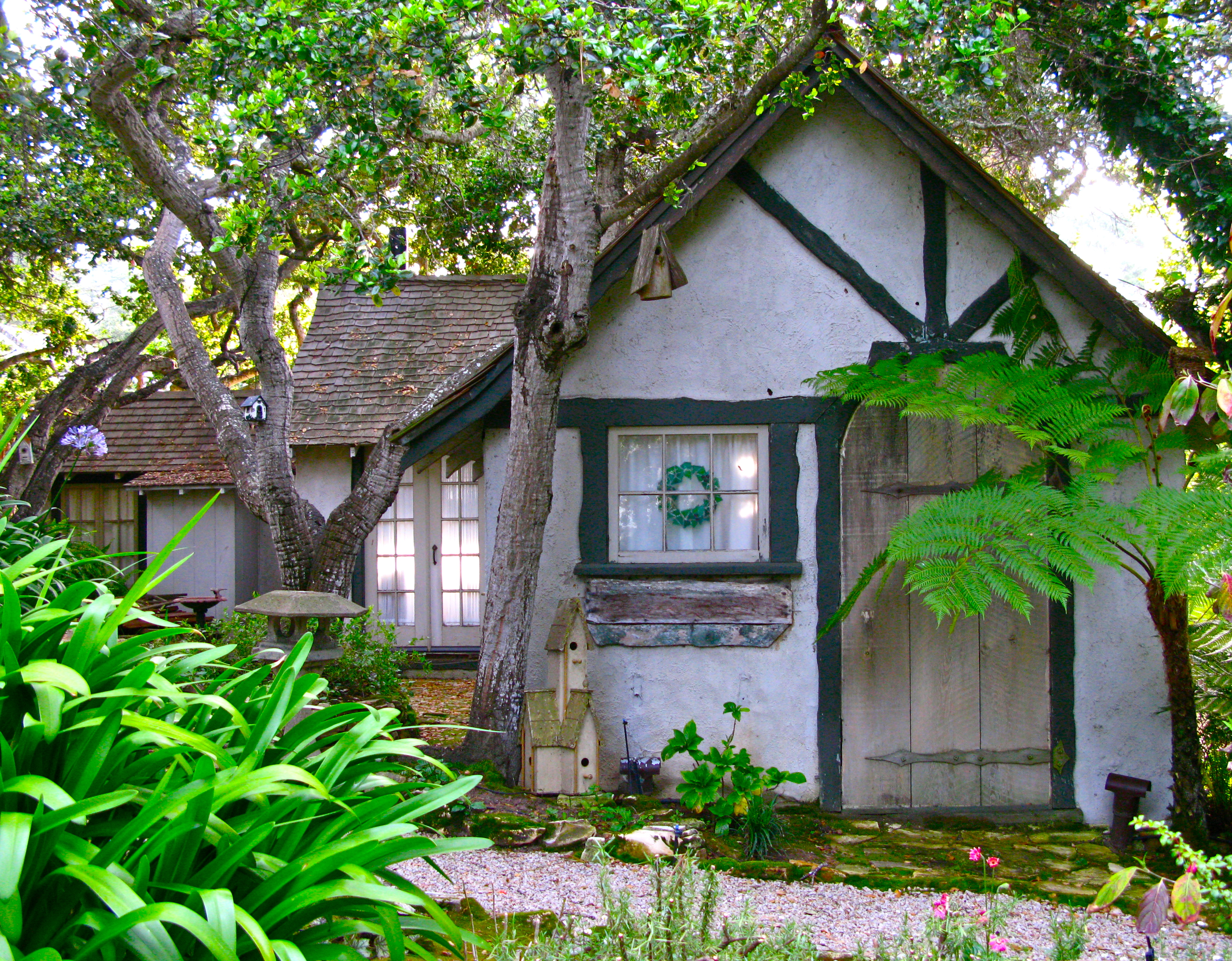 Hansel and gretel hugh comstock s first fairy tale for Hansel and gretel house plans