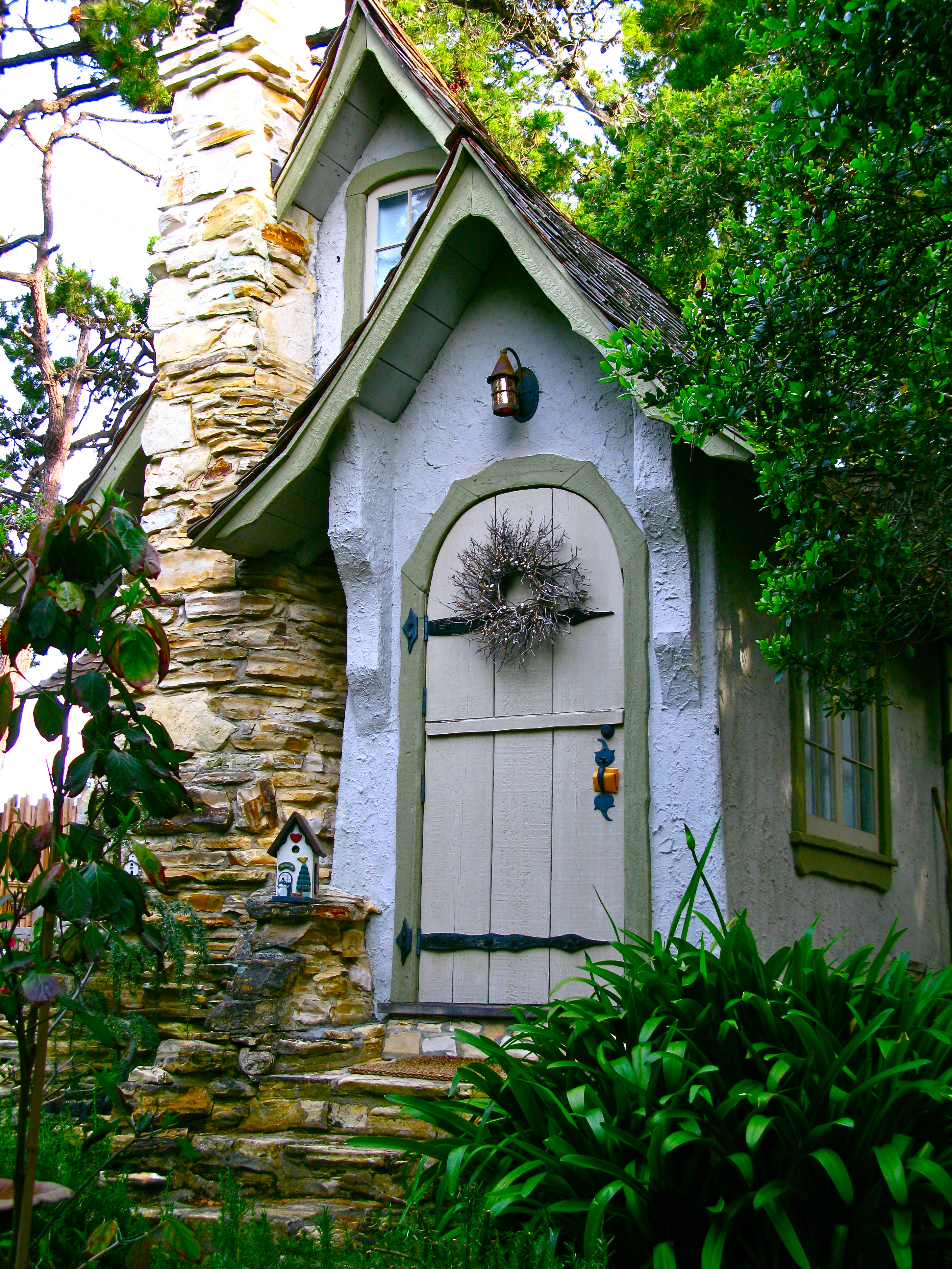 Hansel and gretel hugh comstock s first fairy tale for Carmel house