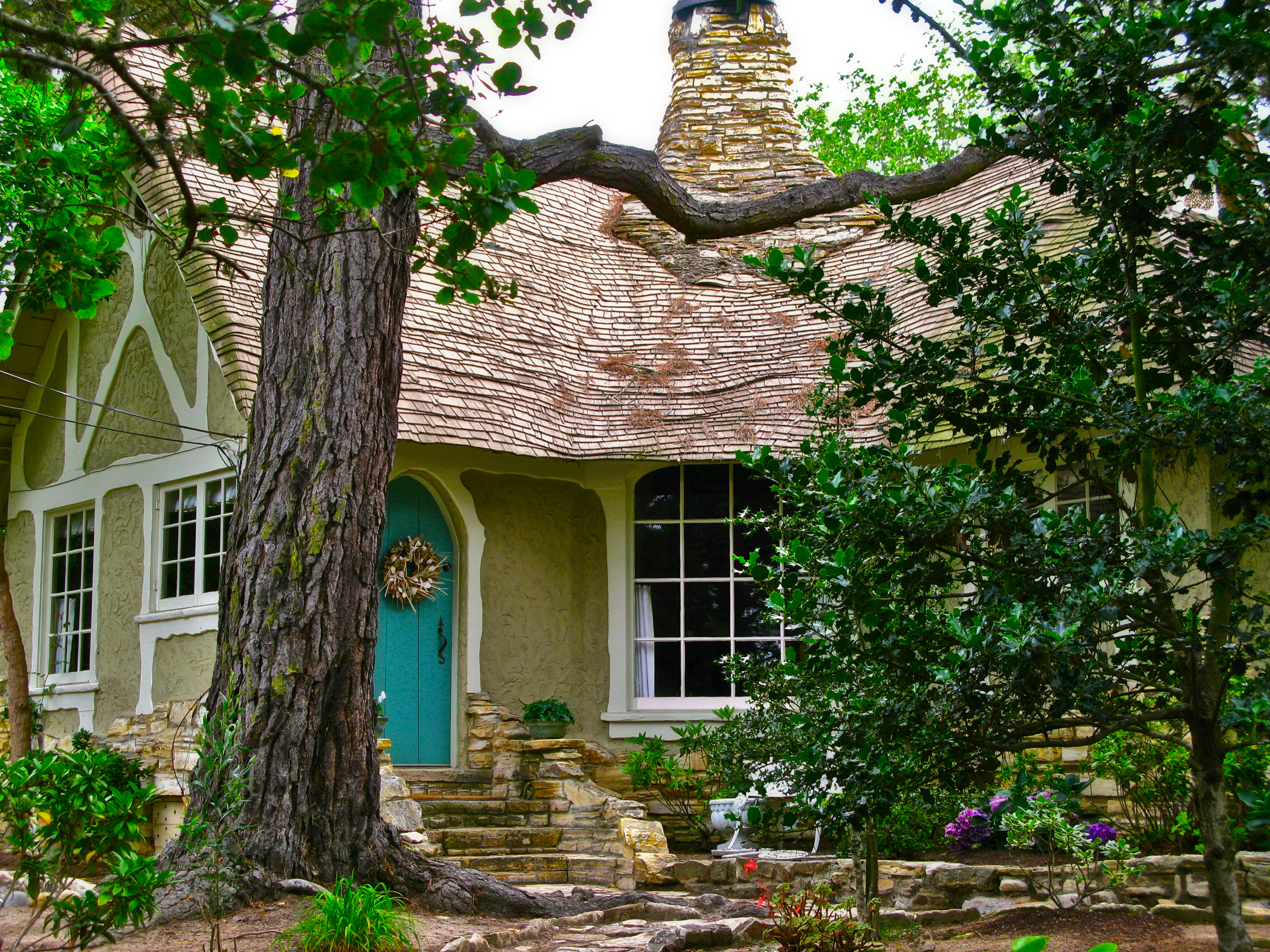 Hugh comstock s marchen haus a fairytale cottage once for Carmel house