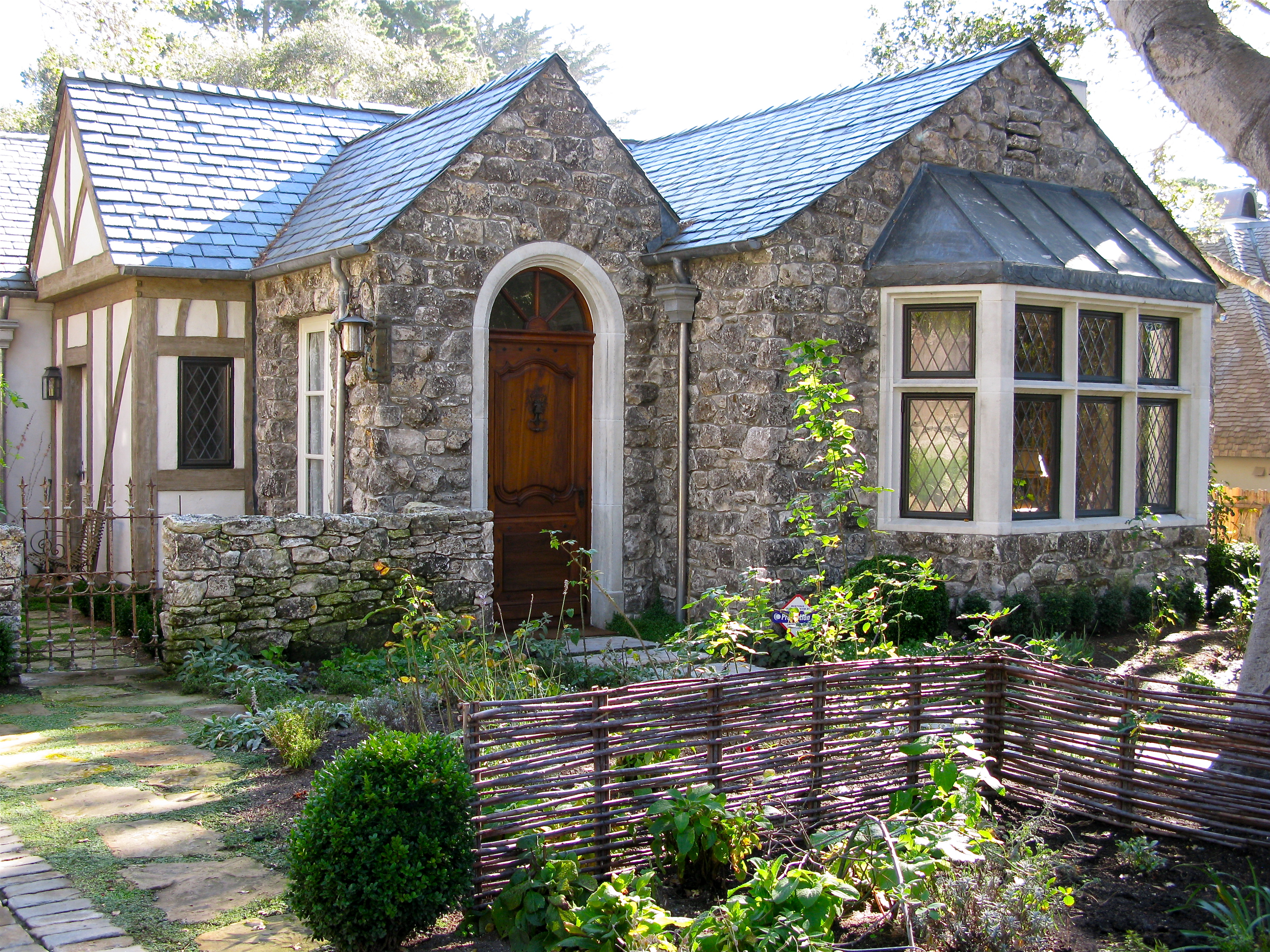 I am invited to tour biddlestone cottage and garden once for Carmel house