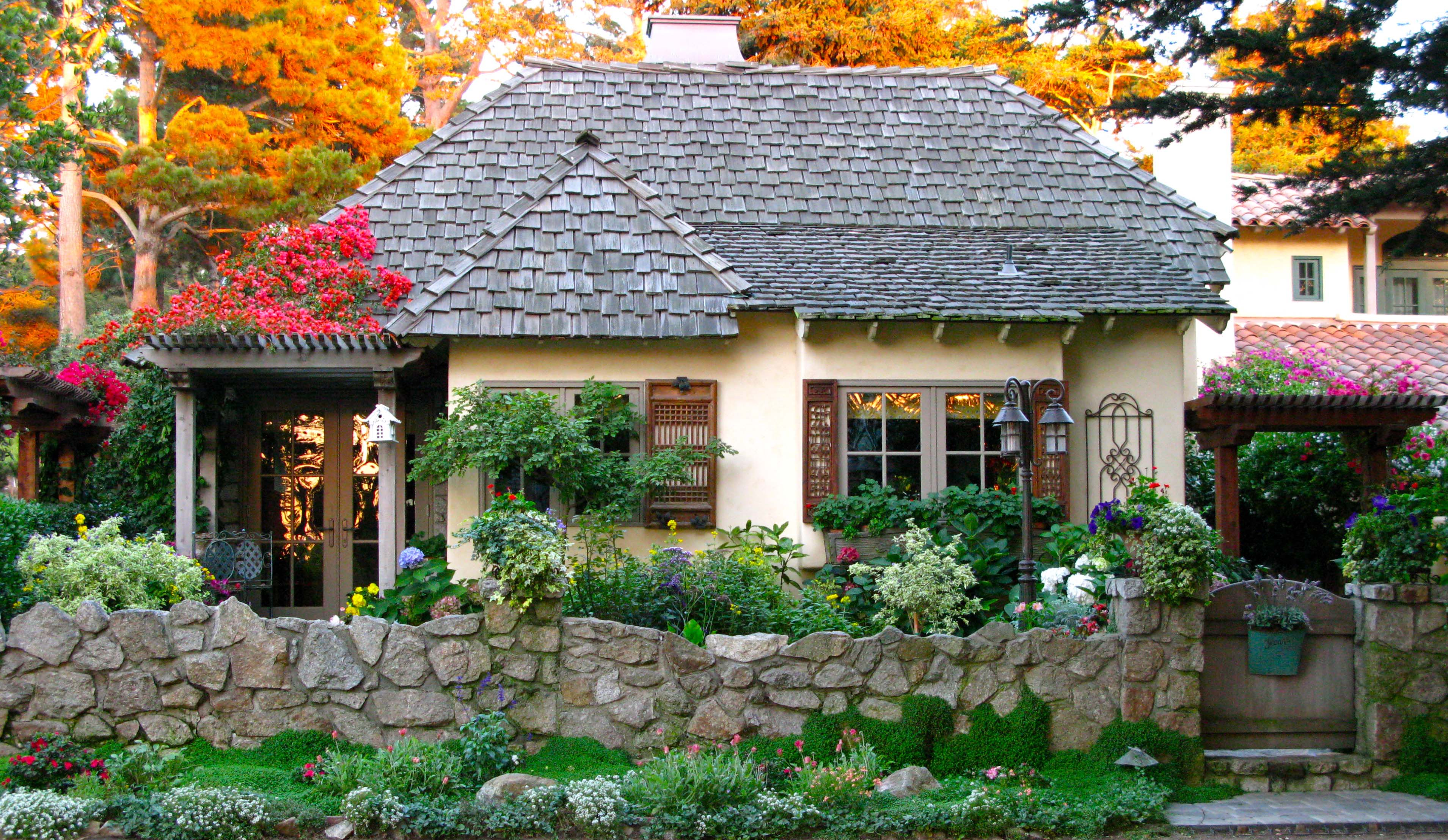 Ocean S End A Quintessential Carmel Cottage Once Upon