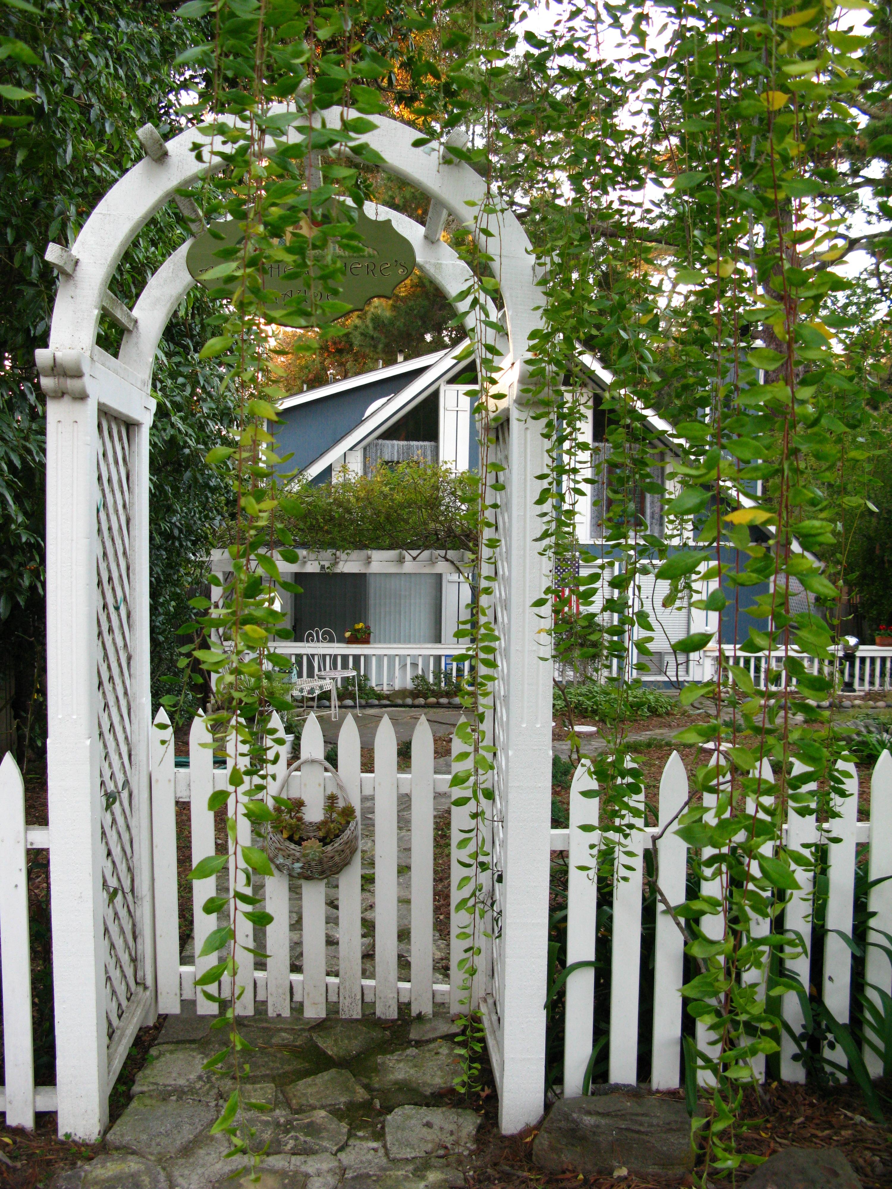 Wooden garden gates for sale - Still