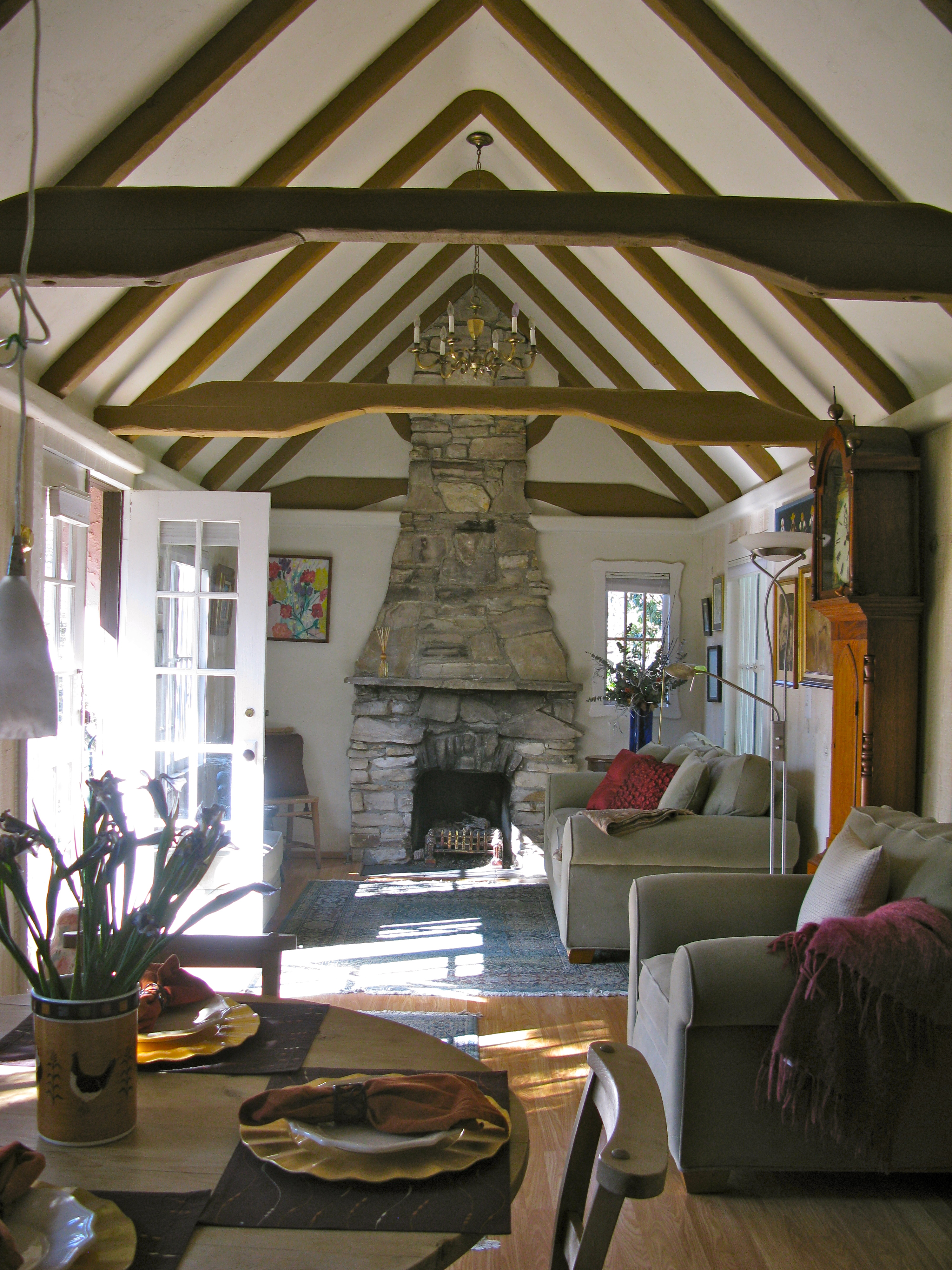 Interiors This Is My Kind Of Log Cabin See Evan: HUGH COMSTOCK'S PINK AND BROWNE COTTAGE