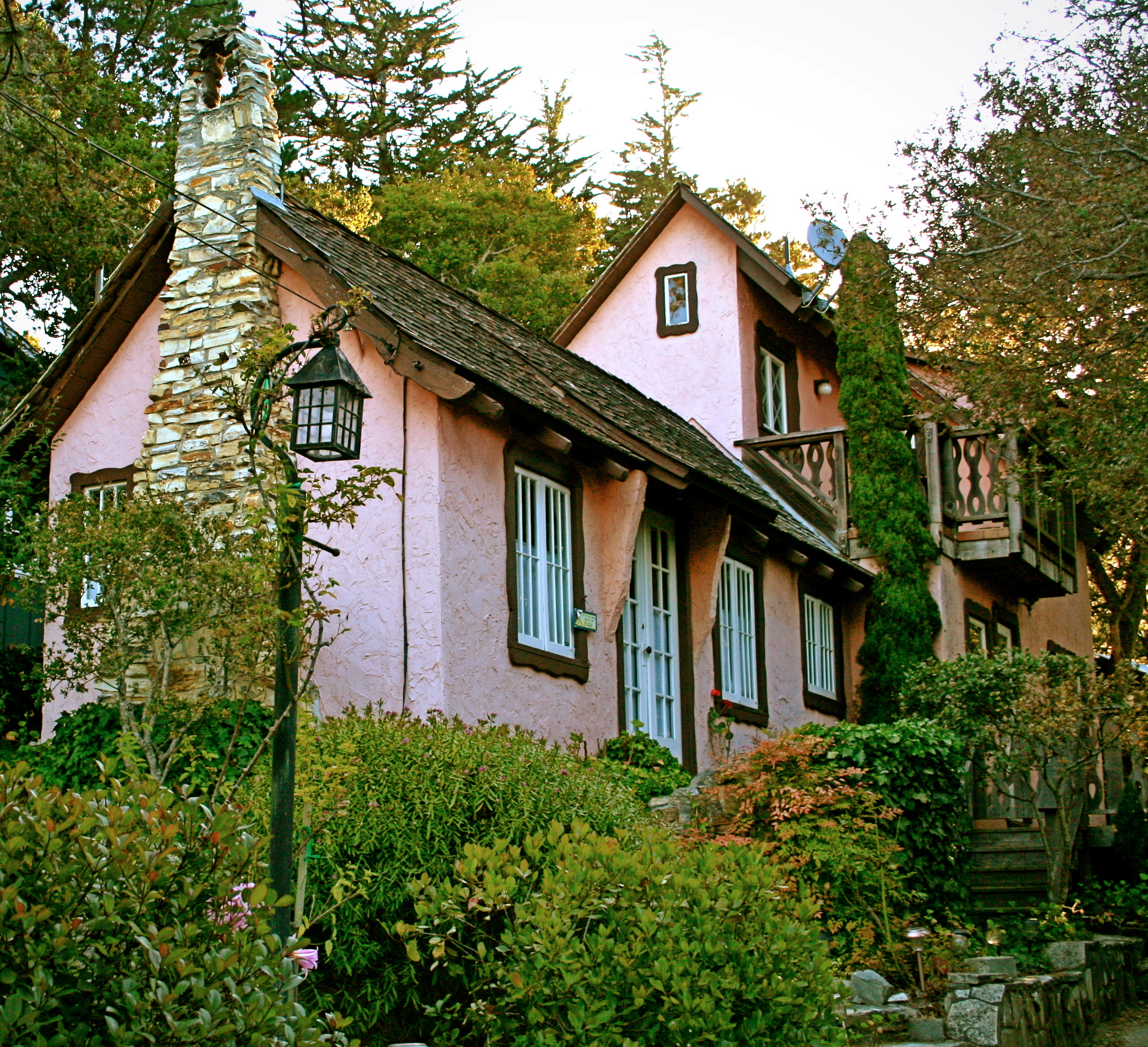 Small Garden Plans Hugh Comstock S Pink And Browne Cottage Once Upon A Time