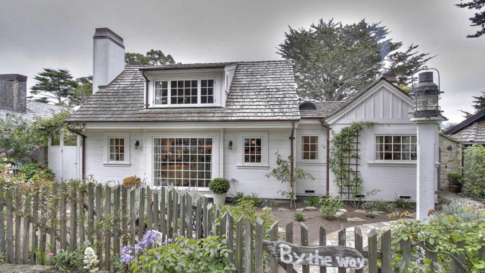 Classic murphy 1920 s country english style cottage once for Classic beach house designs
