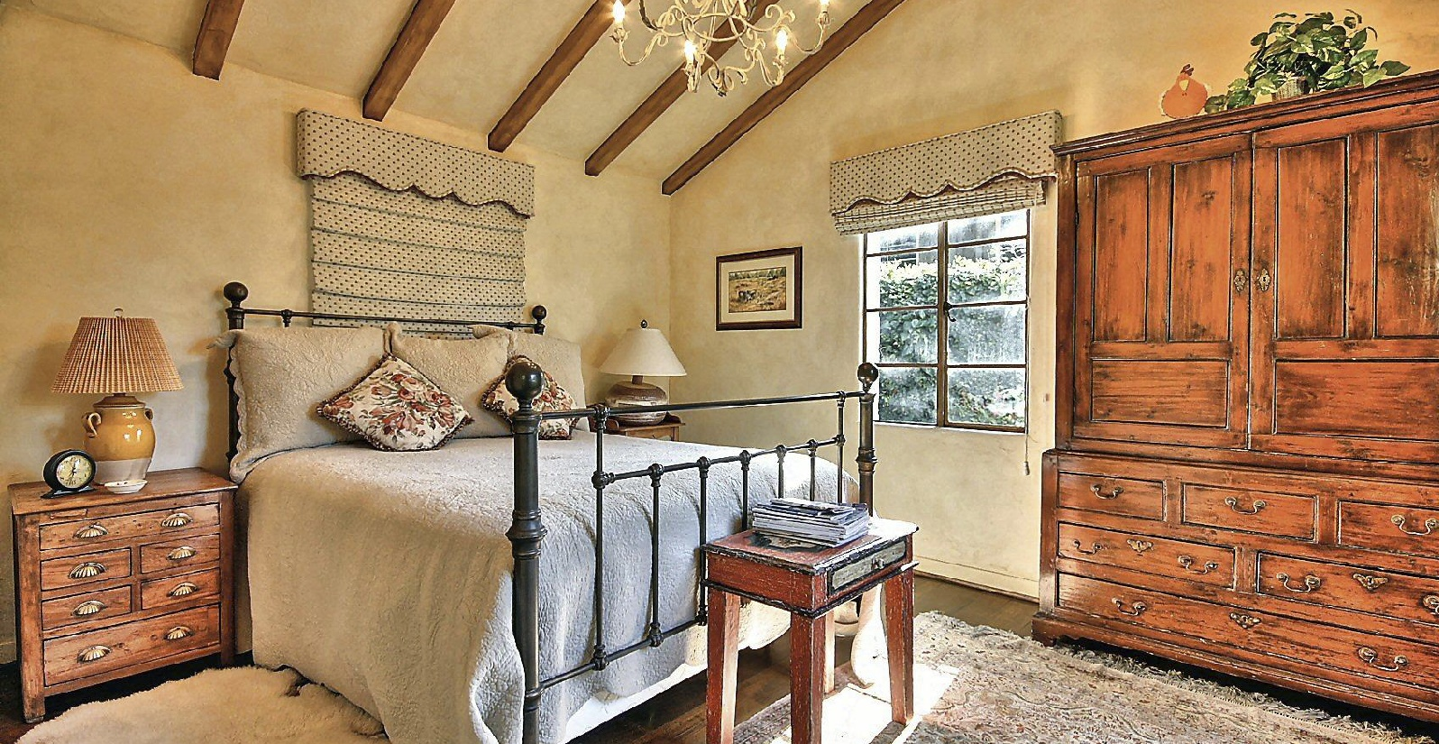 bedroom in spanish colonial guest house with en suite bath
