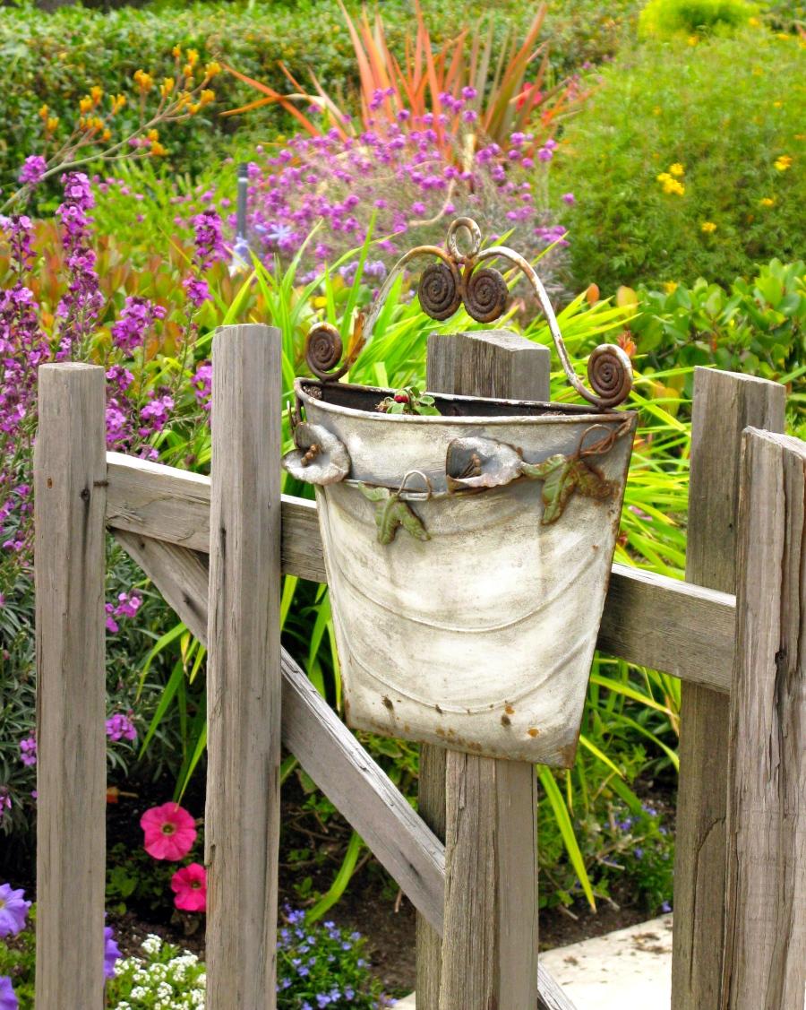 Flowerpot detail