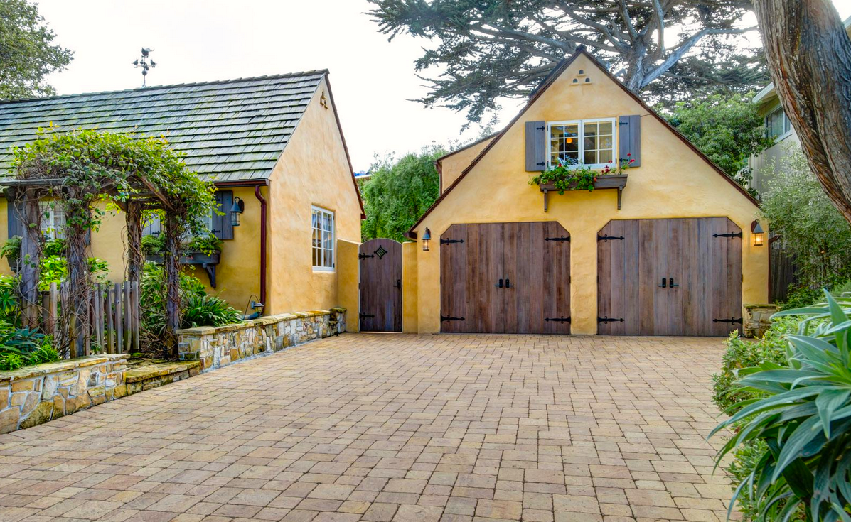 Preserving carmel s architectural treasures once upon a for Guest house del garage