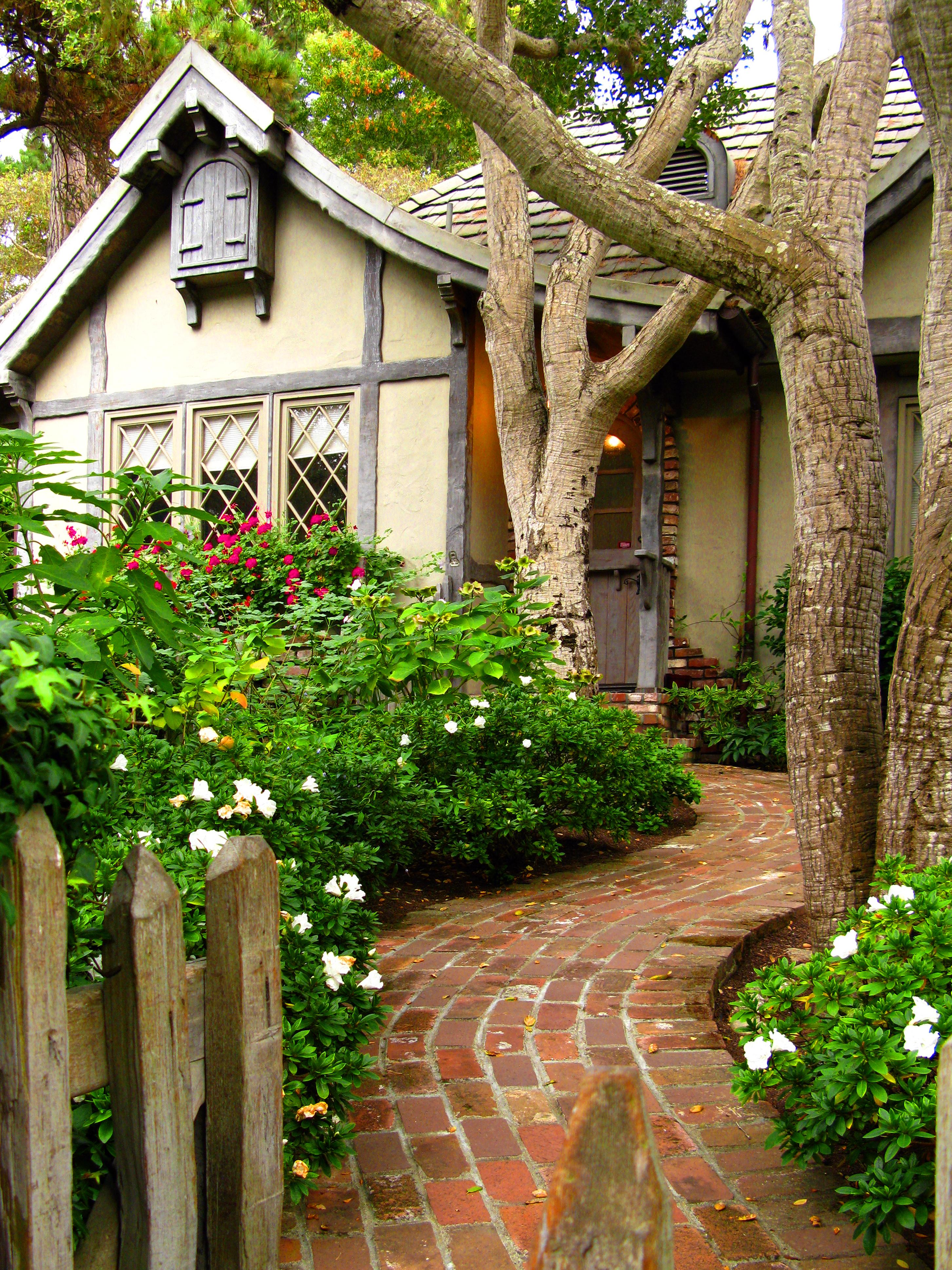 Tudor Style Homes Home Exterior Design Ideas French
