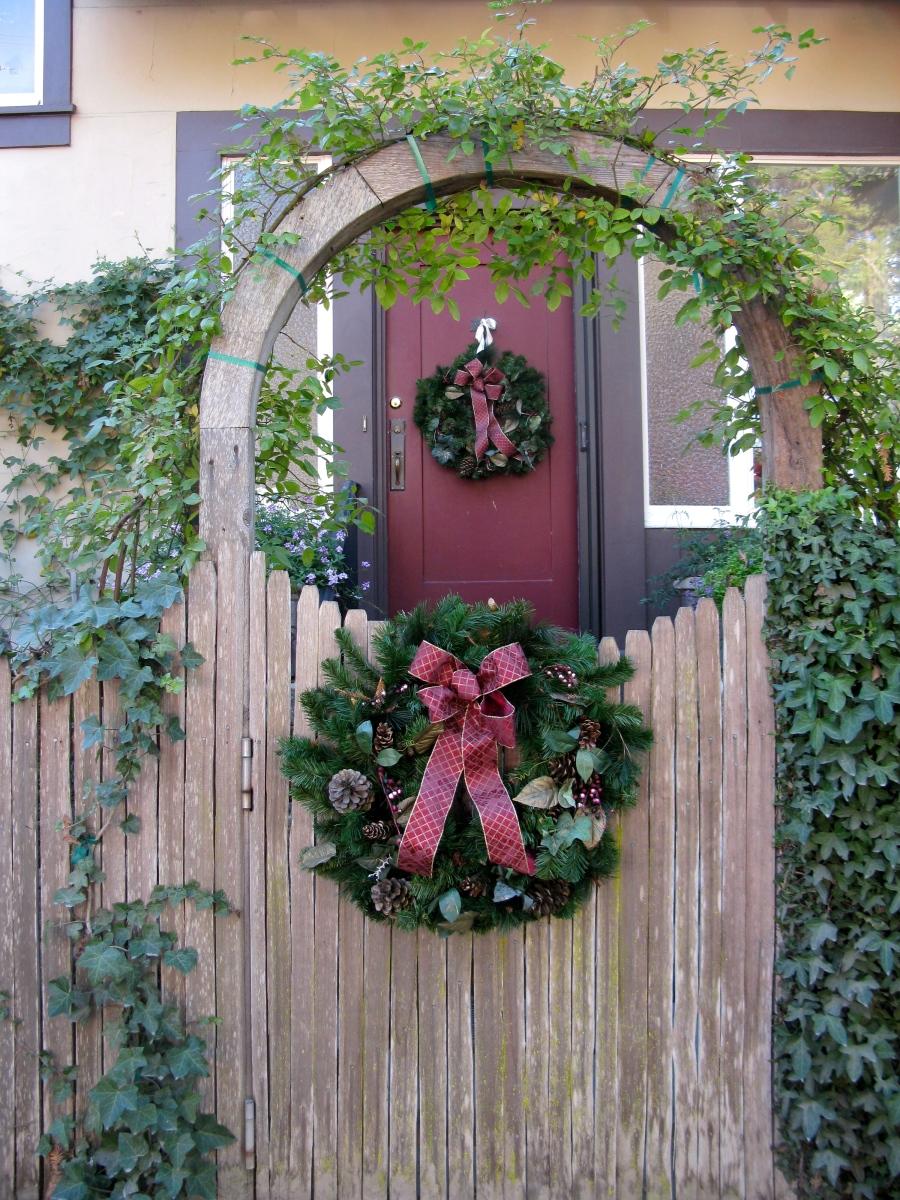 Christmas Tree Gate